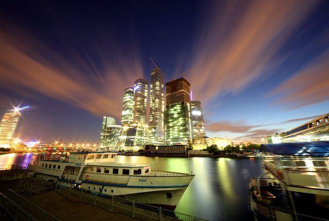 Правительство покупает Москва-Сити